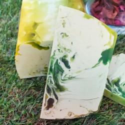 Jabón artesano de glicerina con extracto de piña