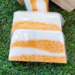 Espuma de baño elaborada con ingredientes naturales