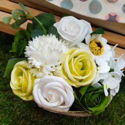 Flores con pétalos de jabón