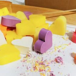 Jabón en forma de corazón, un detalle divertido para tus invitados