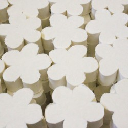 Jabón artesano con aroma a lirio del valle
