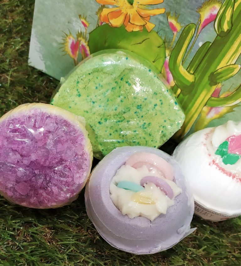 Bombas de baño espumosas, hidratantes y aromáticas para que tu piel disfrute