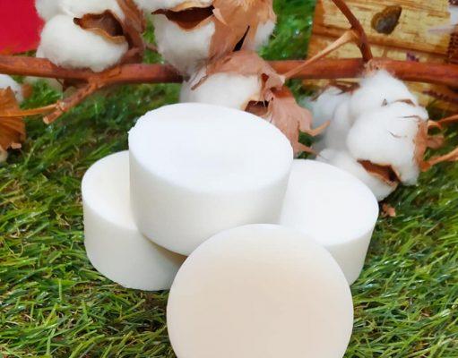 Acondicionador para cabellos secos y encrespados con aceite de coco