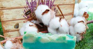 Jabón artesano con aceite de oliva y arcilla blanca